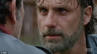 3EE35D6E00000578-4374338-His_choice_Negan_taunted_Rick_and_said_he_was_being_punished-a-23_1491236388248